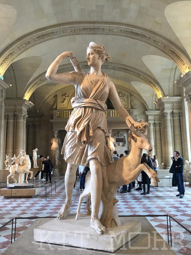 Artemis_with_a_doe_louvre